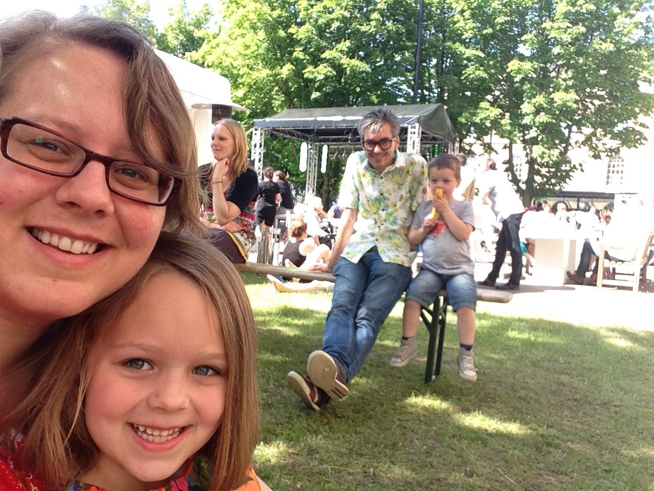 Genieten in de schaduw: tijd voor een family-selfie