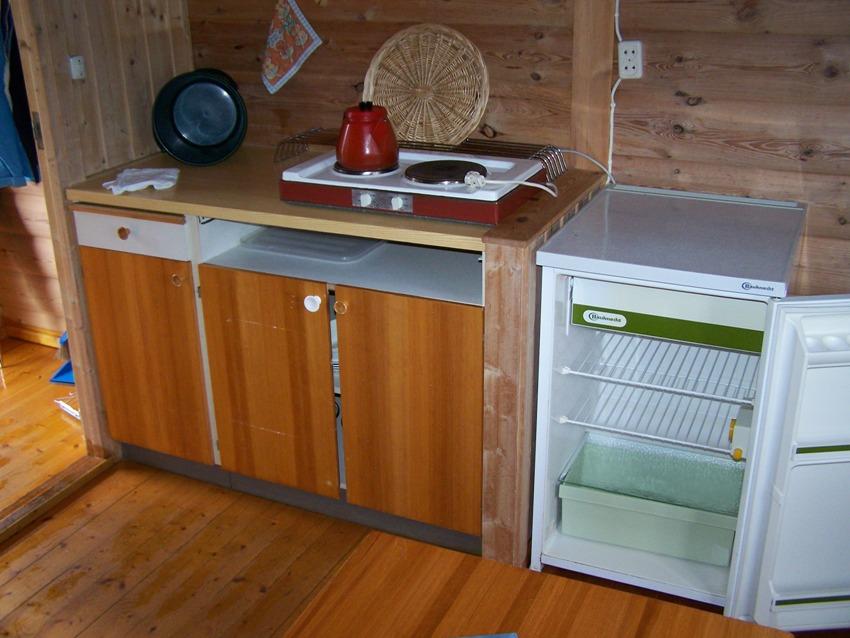 De meeste kampeerhutten zijn voorzien van een eenvoudige kookgelegenheid, inclusief servies, bestek en pannen.