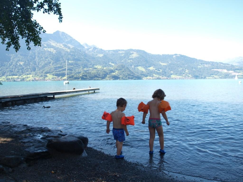 Even inkomen en daarna heerlijk afkoelen en zwemmen in de Thunersee