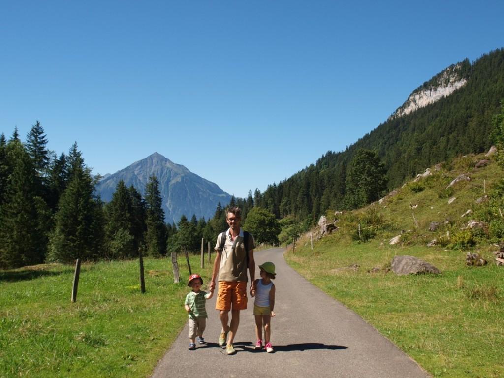 Wandelen in de bergen met kinderen, dit pad is zelfs buggyproof