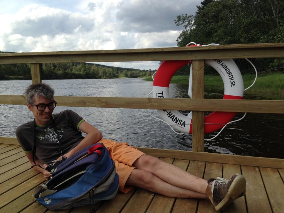 Gerard in de relax-stand tijdens het vlot varen.