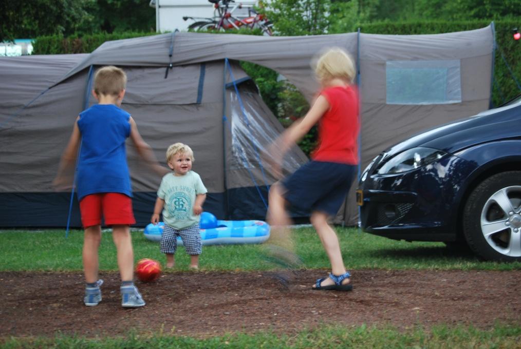 vakantie met kinderen, kamperen met kinderen, Wildbeast Dangare, koepeltent, tent met kinderen, kids er op uit