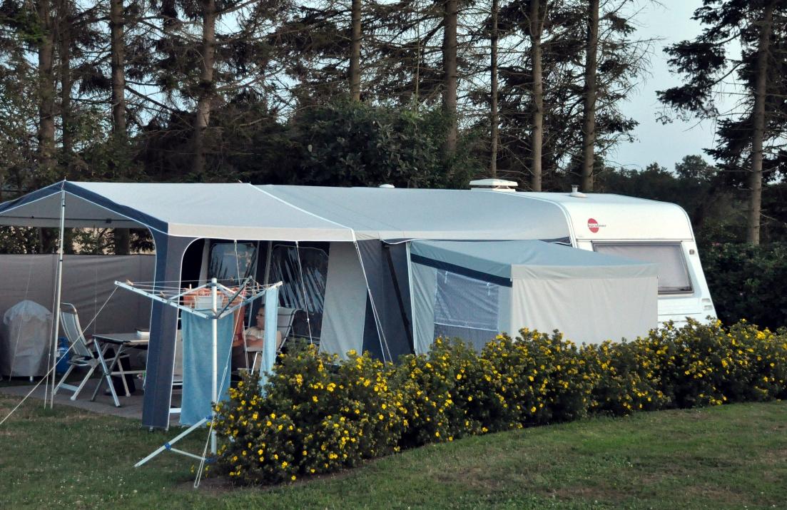 vakantie met kinderen, kamperen met kinderen, Burstner caravan ervaring, Dorema voortent ervaring, caravan met kinderen, kids er op uit
