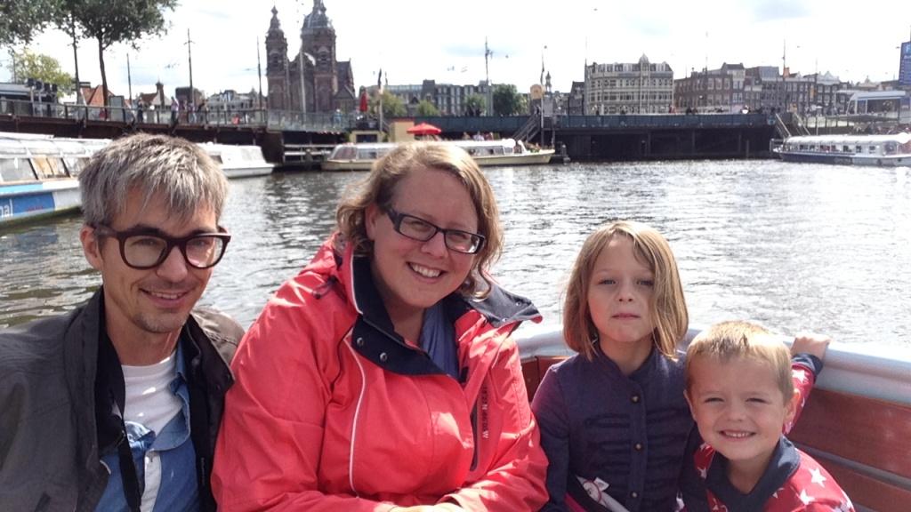 vakantie met kinderen, citytrip met kinderen, rondvaart met kinderen, Amsterdam, kids er op uit