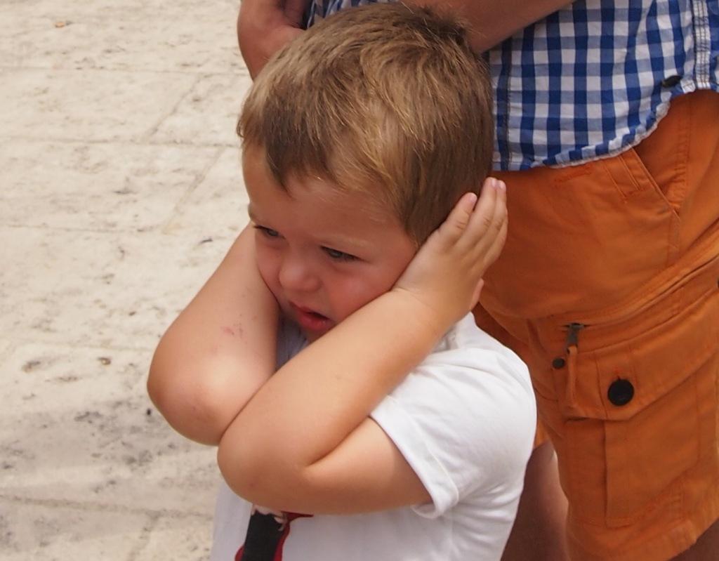 oordoppen, vakanties met kinderen, festival met kinderen, gehoorbescherming, Pluggies kids, kids er op uit