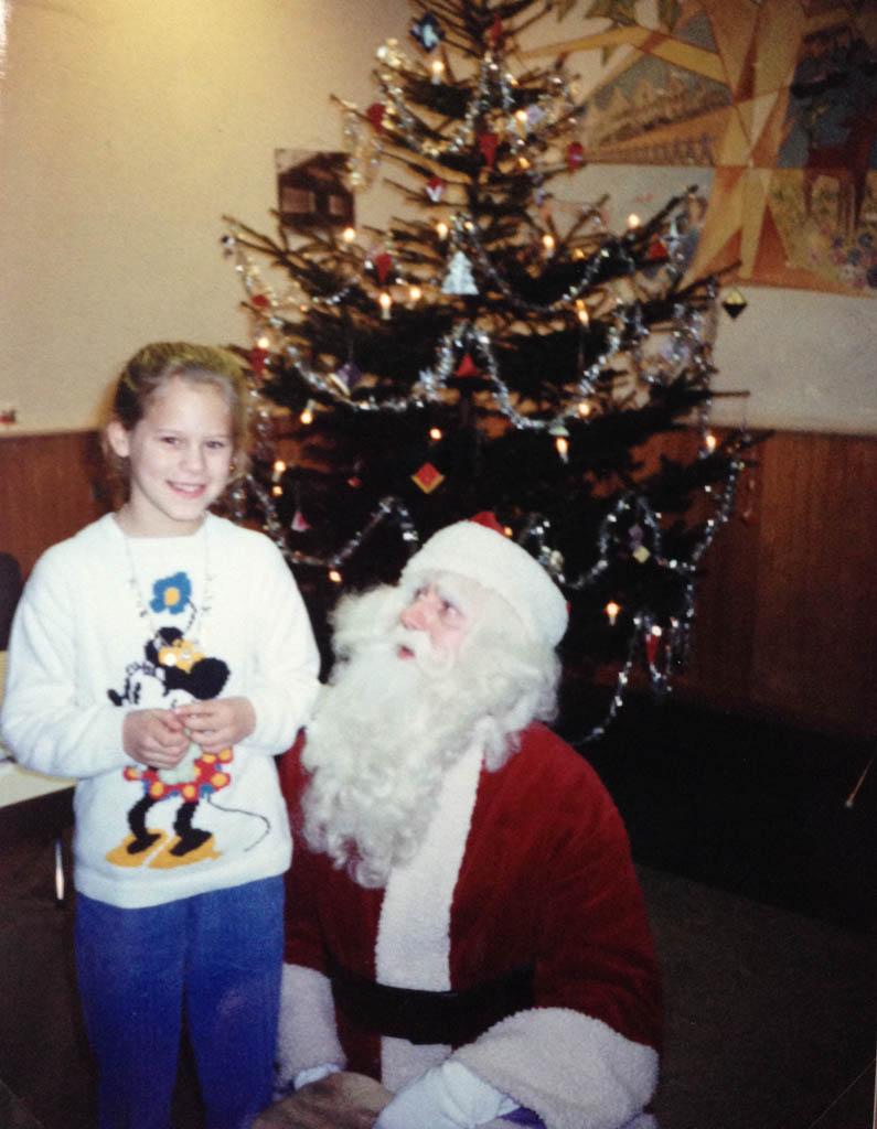 Bij de Kerstman in het NIVON huis in Eerbeek. Ik was 10 jaar oud.