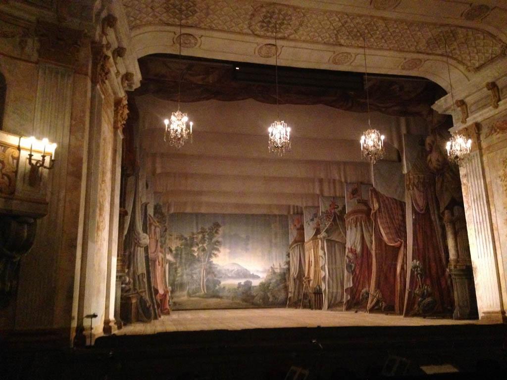 De theaterzaal.
