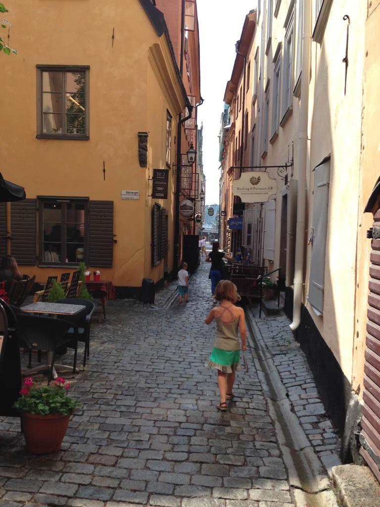 Leuke smalle straatjes in het historische centrum van Stockholm: Gamla Stan.