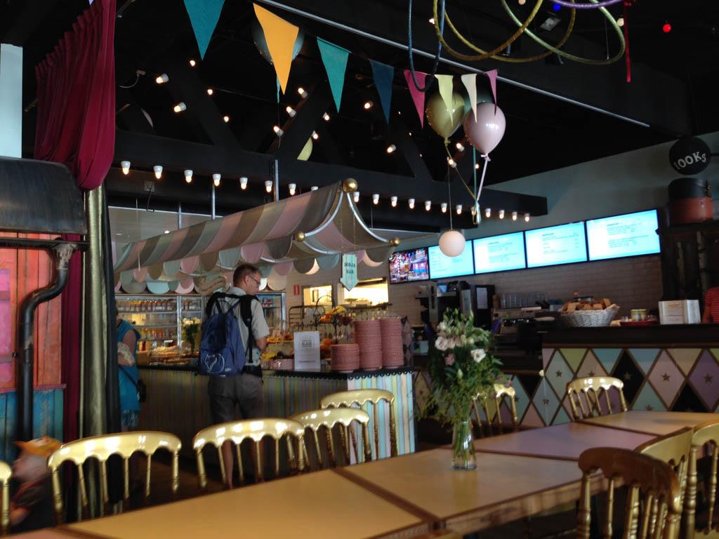 Eten in het restaurant van Junibäcken.