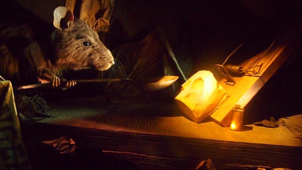 Levensechte rat tijdens de gondeltoer. Ben alleen vergeten bij welk verhaal dit grote beest hoorde....