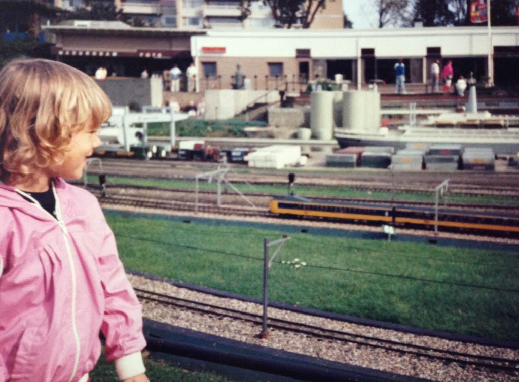 Treinen kijken in Madurodam (1985)