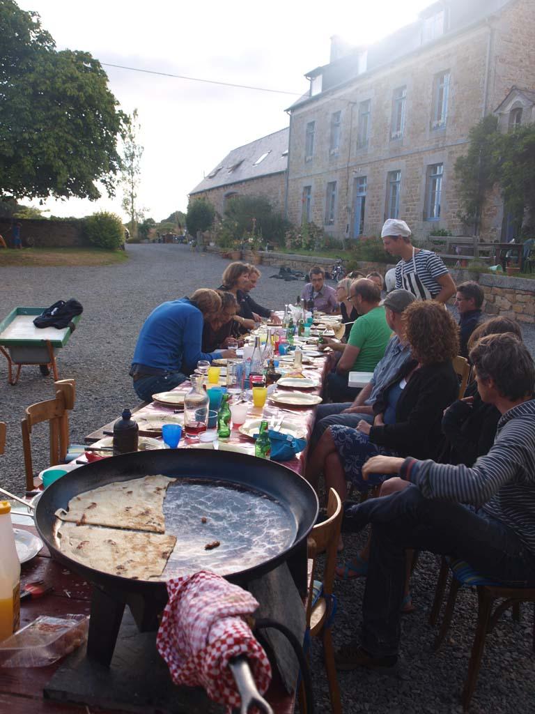 Pannenkoeken eten bij Le Cheval Rouge.