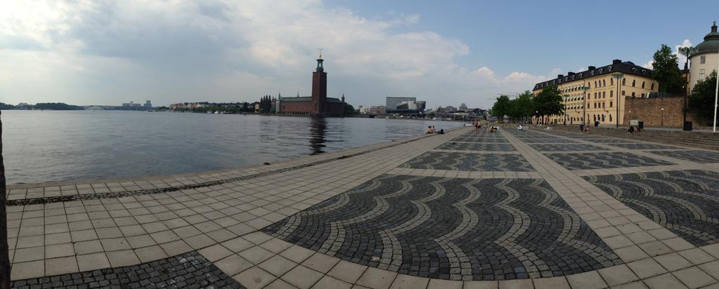 Riddarholmen: zicht op het Stockholmse stadhuis.