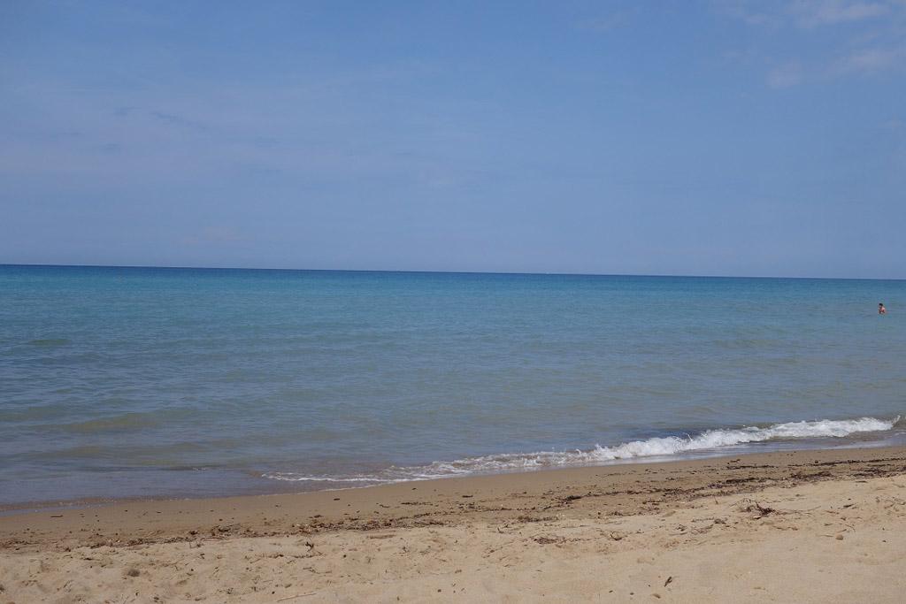 Het strand is maar 4 km van de camping. Lekker dichtbij!