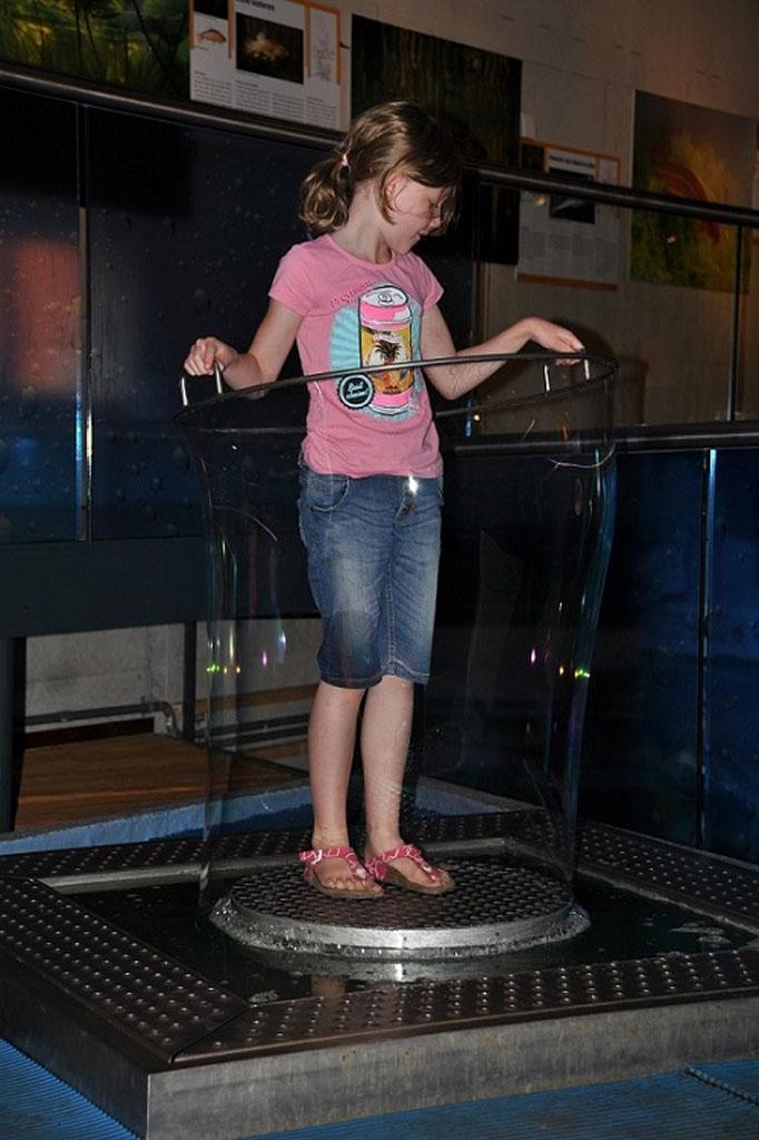 Kan ik een zeepbel maken waar ik zelf in pas?
