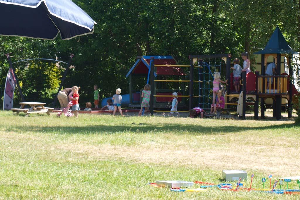 Vanaf onze kampeerplek hadden we zicht op de speeltuin.