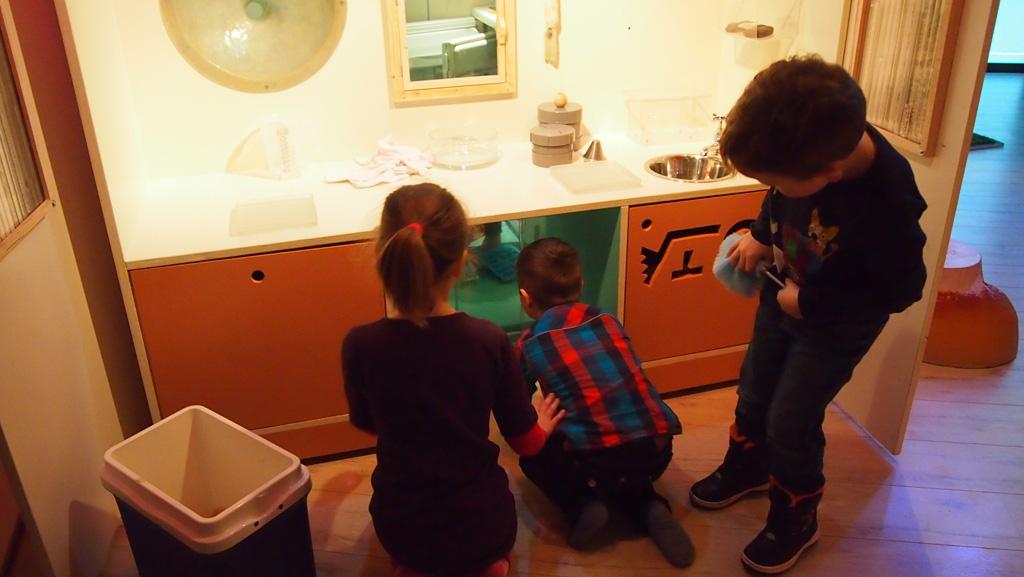 In ZELF! zijn allemaal verrassende hoekjes waar soms alleen de kinderen bij kunnen.
