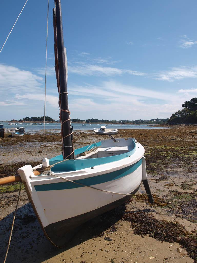 Een uur eerder dobberde deze boot nog in het water.