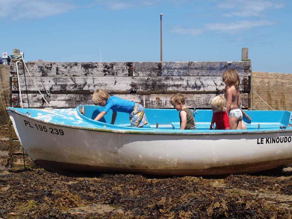 De kinderen vermaakten zich prima in de bootjes.