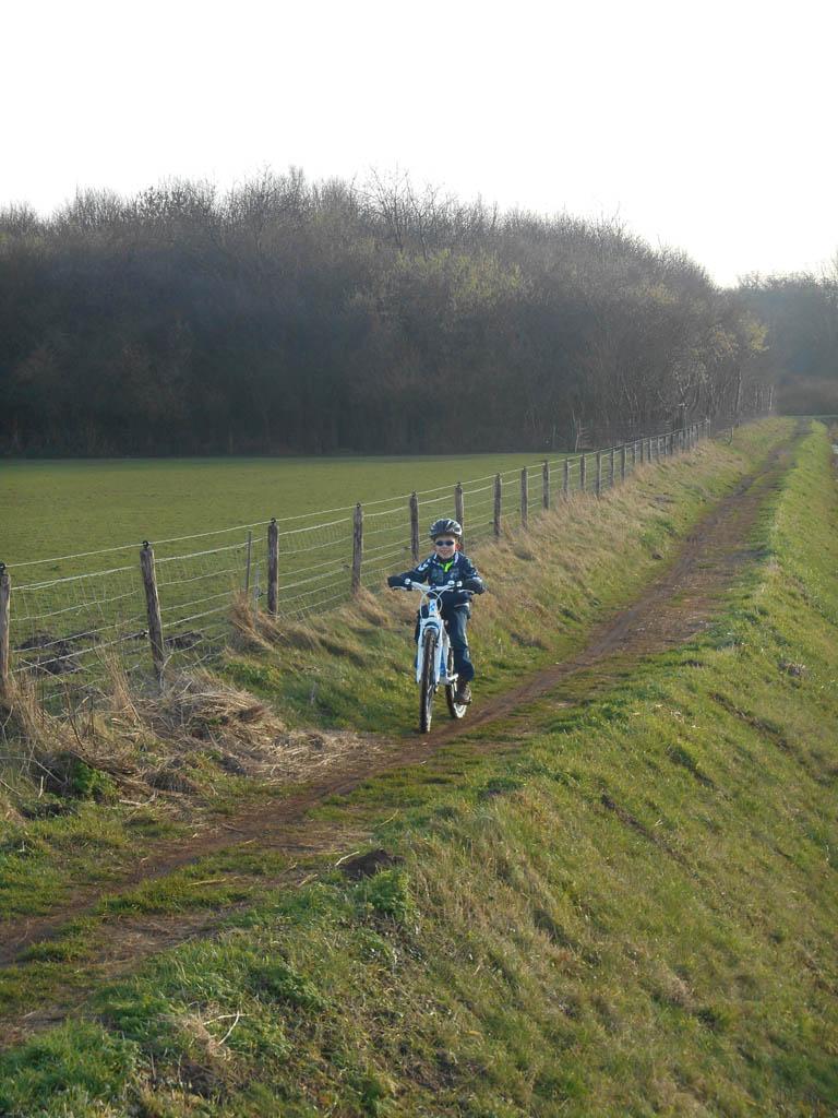 Mountainbiken met kinderen: begin op de makkelijke paden.