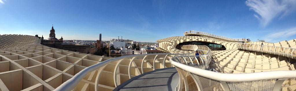 Bovenop Metropol Parasol heb je een prachtig uitzicht over Sevilla.