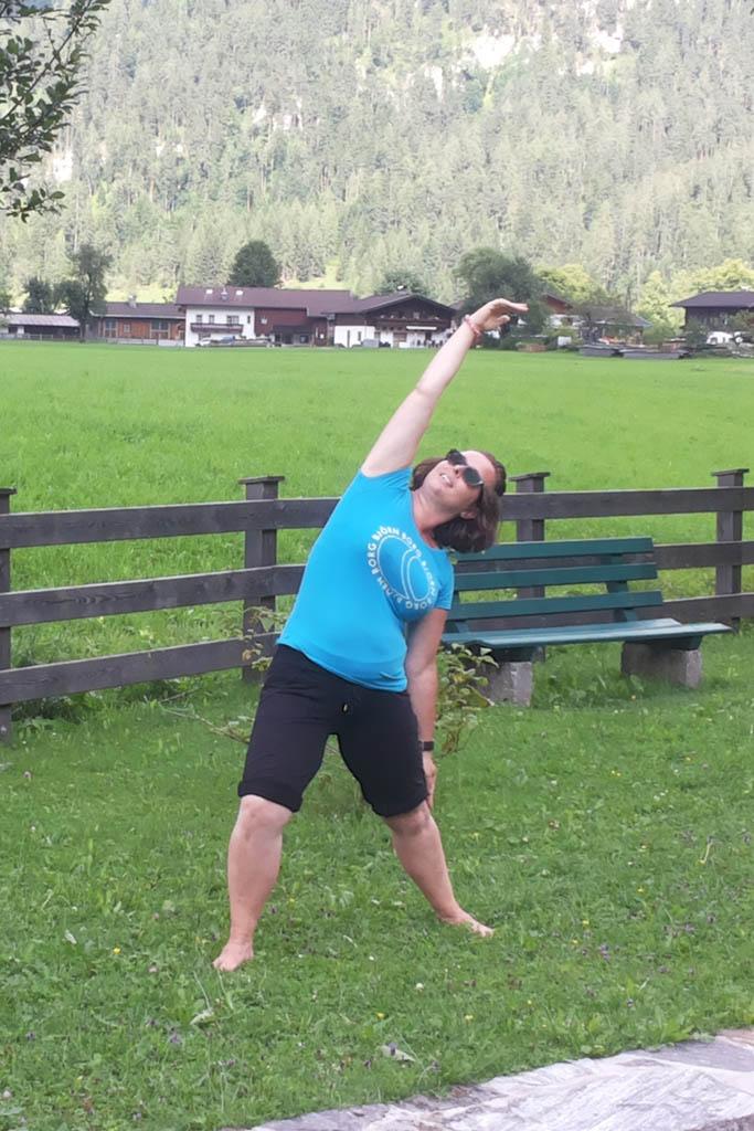 Danielle doet ook op vakantie aan yoga.