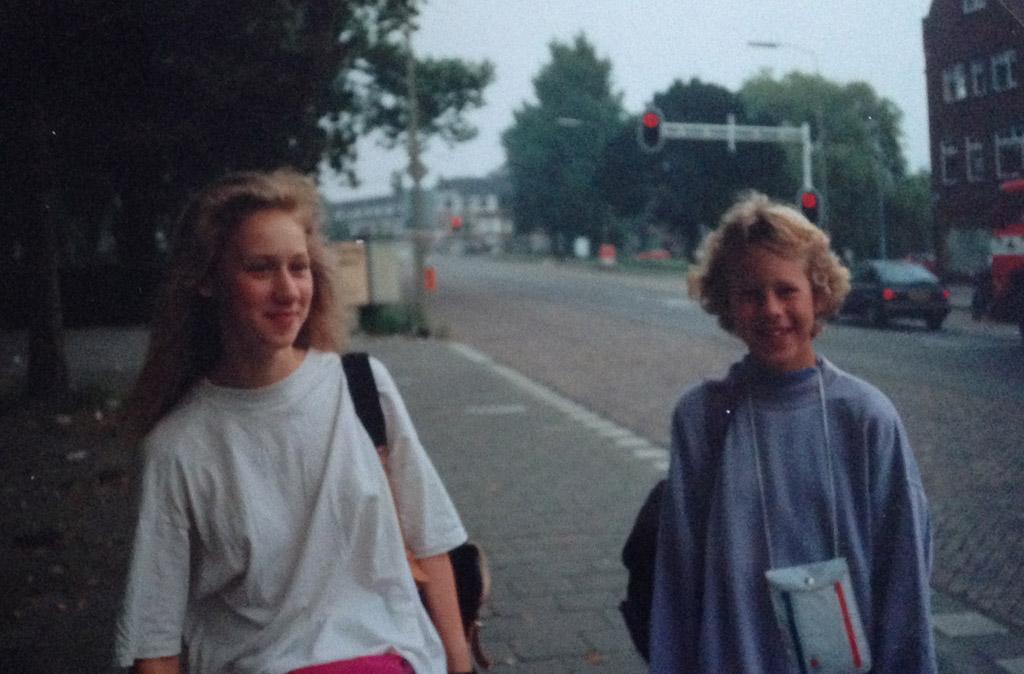 1991: op Tienertoer. Ik ben de rechtse op de foto.