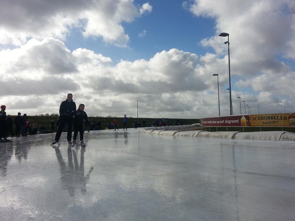 Prachtige lucht boven de ijsbaan.