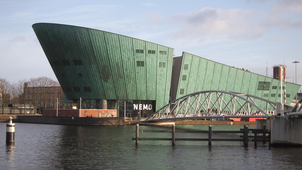 Met de Museumkaart kan je naar honderden musea in Nederland, waaronder Nemo in Amsterdam.
