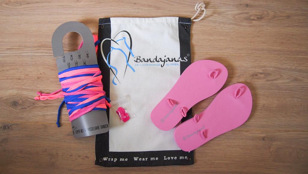 Bandajanas slippers komen in een handige opbergzak bij je thuis.