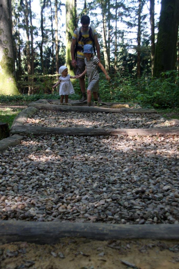Over de fijnere steentjes lopend...