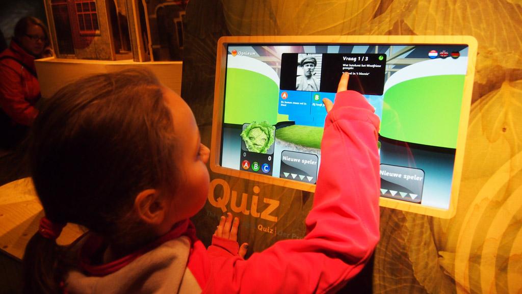 Met een speciaal scan pasje zijn er voor kinderen allerlei spelletjes te doen.