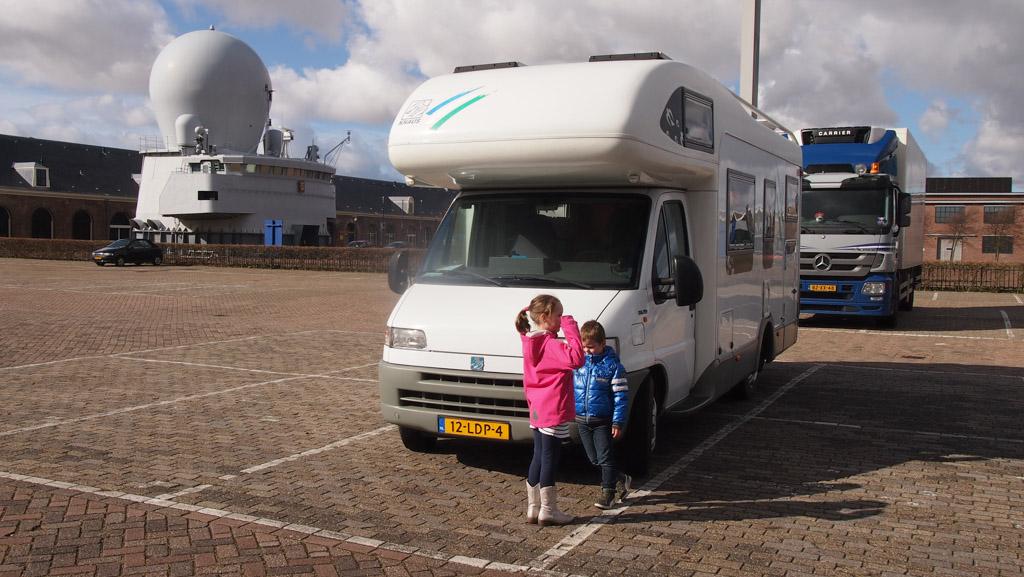 Op de camperplaats bij het Maritiem Museum in Den Helder.