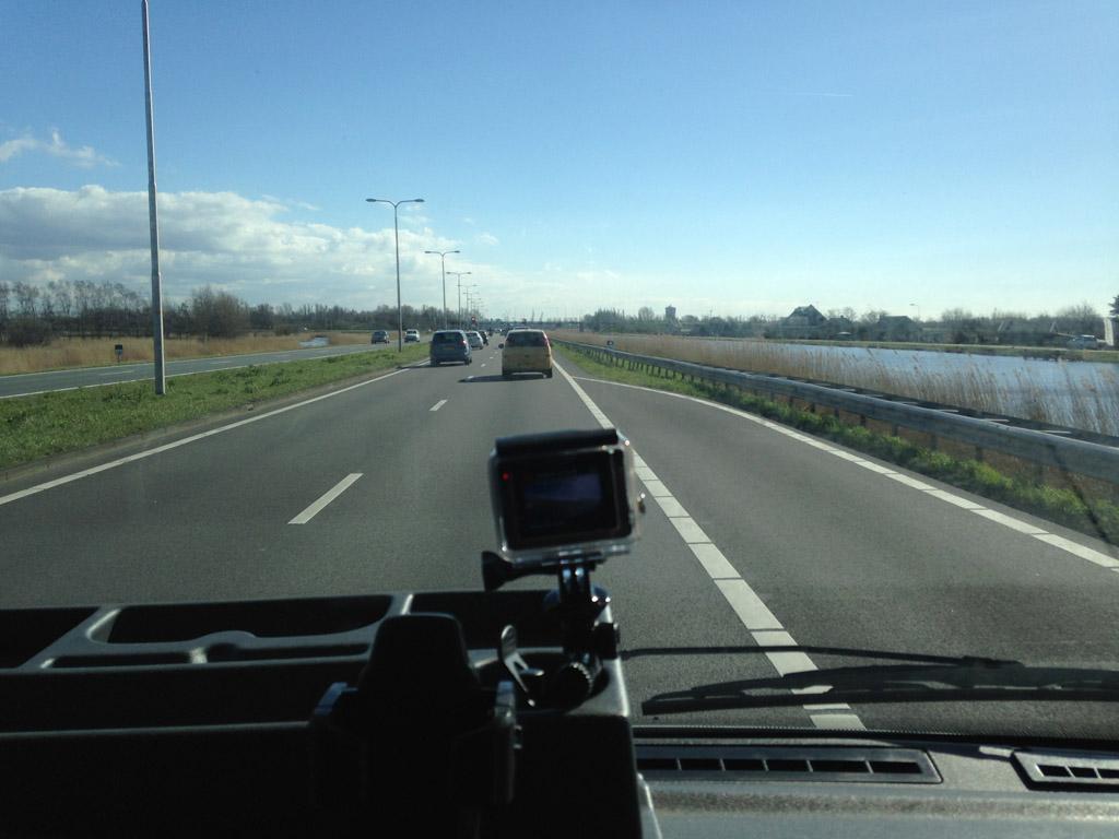 Onderweg.... de GoPro maakt opnames voor 'Camperreis - the movie'....