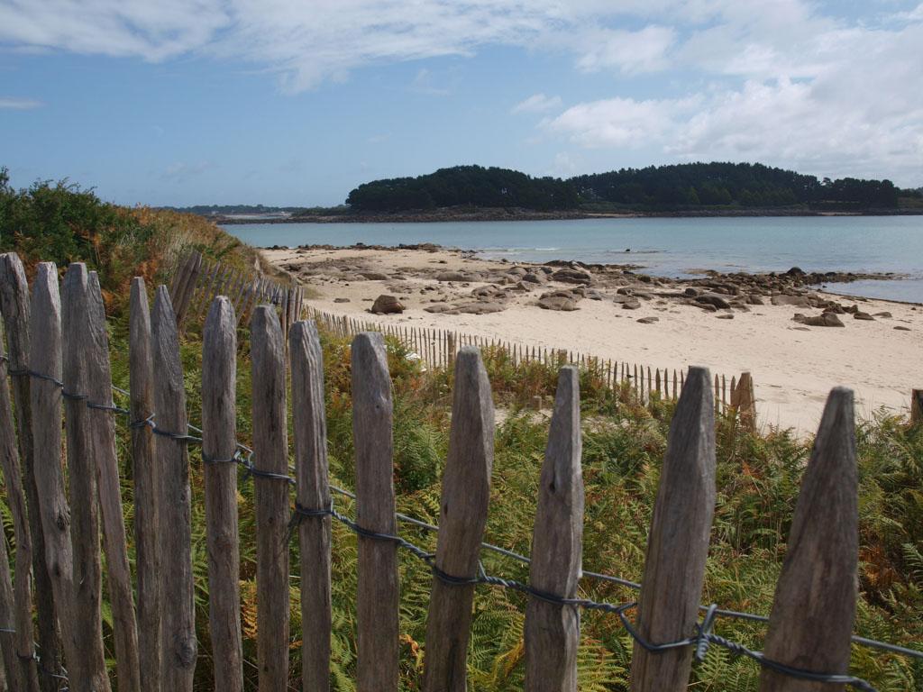 Ile Grande: een smalle duinenrij aan de kust.