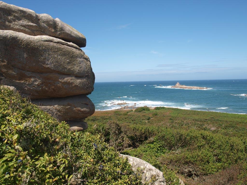 Van bovenaf hebben we een prachtig uitzicht over de kust.