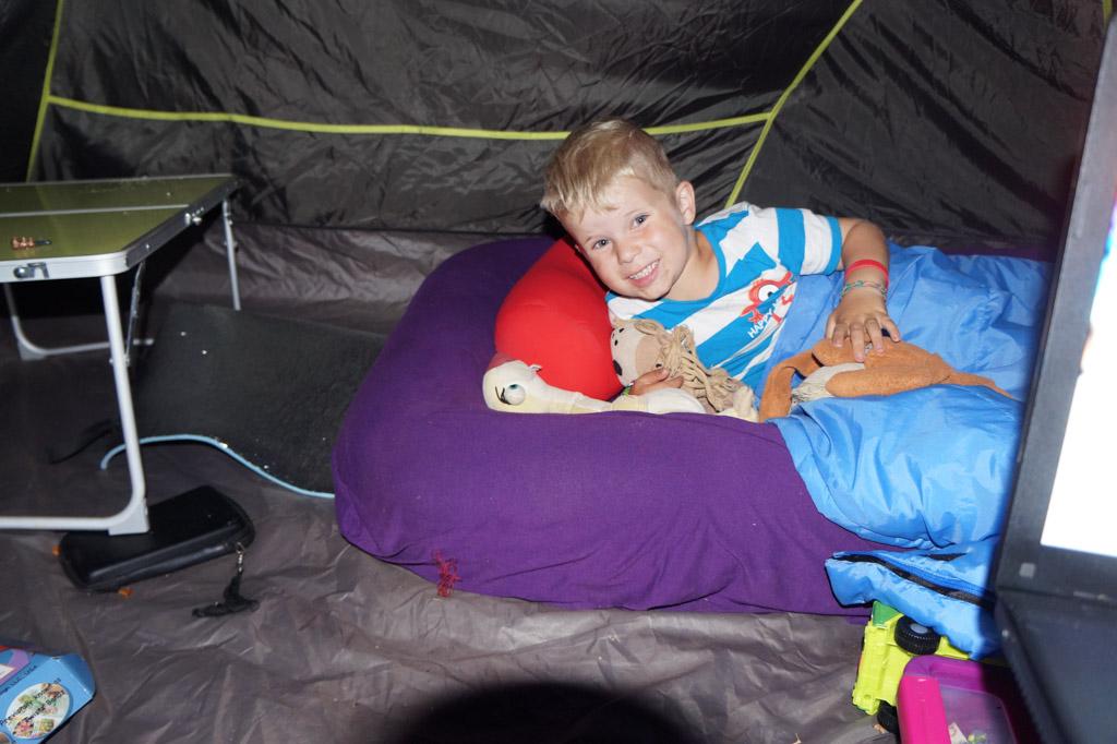 Luchtbed voor kleuters: Kampa Junior Bumper Airlock Airbed for Kids.