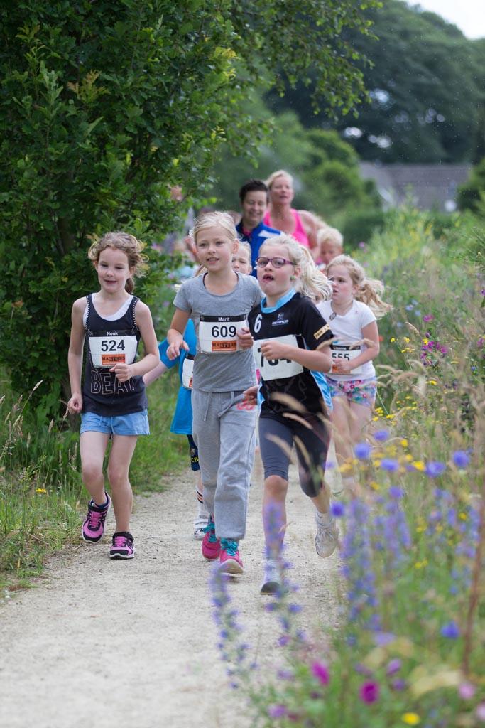Hardlopen met kinderen. De beste tips om ze voor te bereiden op een Kidsrun. Foto door Peter Lammers.