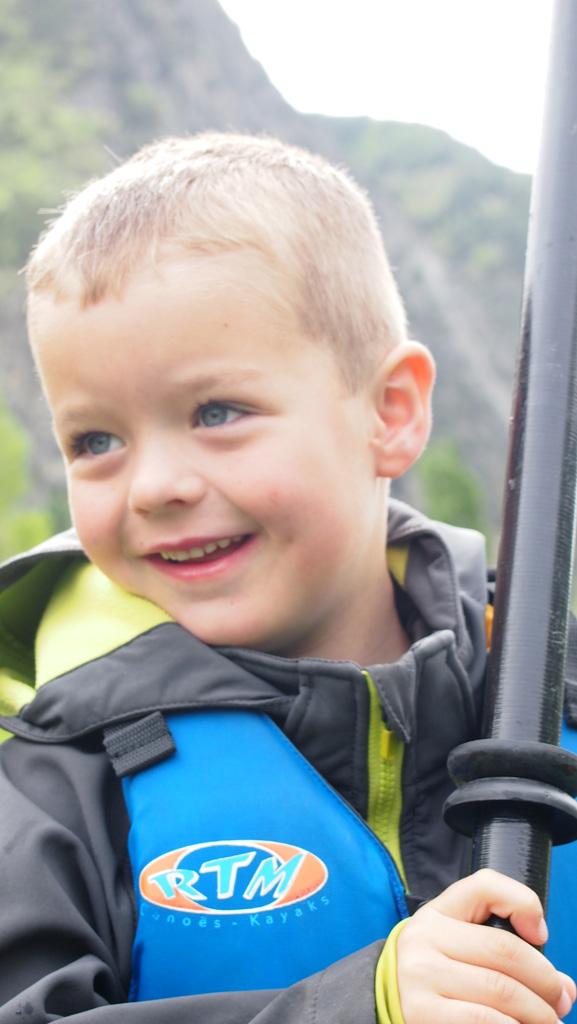 Kinderen vinden kanoën en kayakken echt leuk.