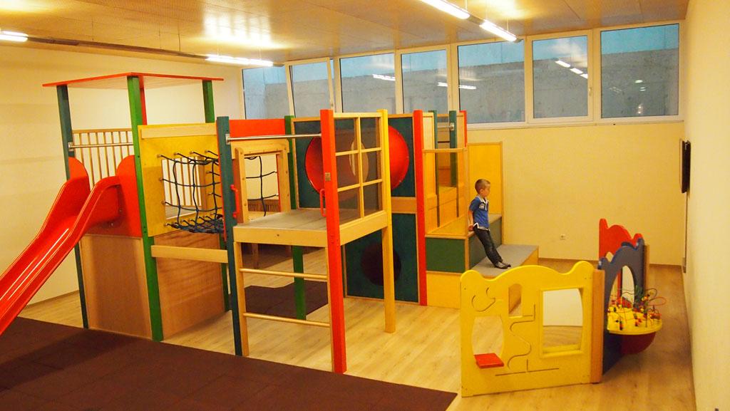 De speelruimte voor kinderen in de kelder van het Gasthof.