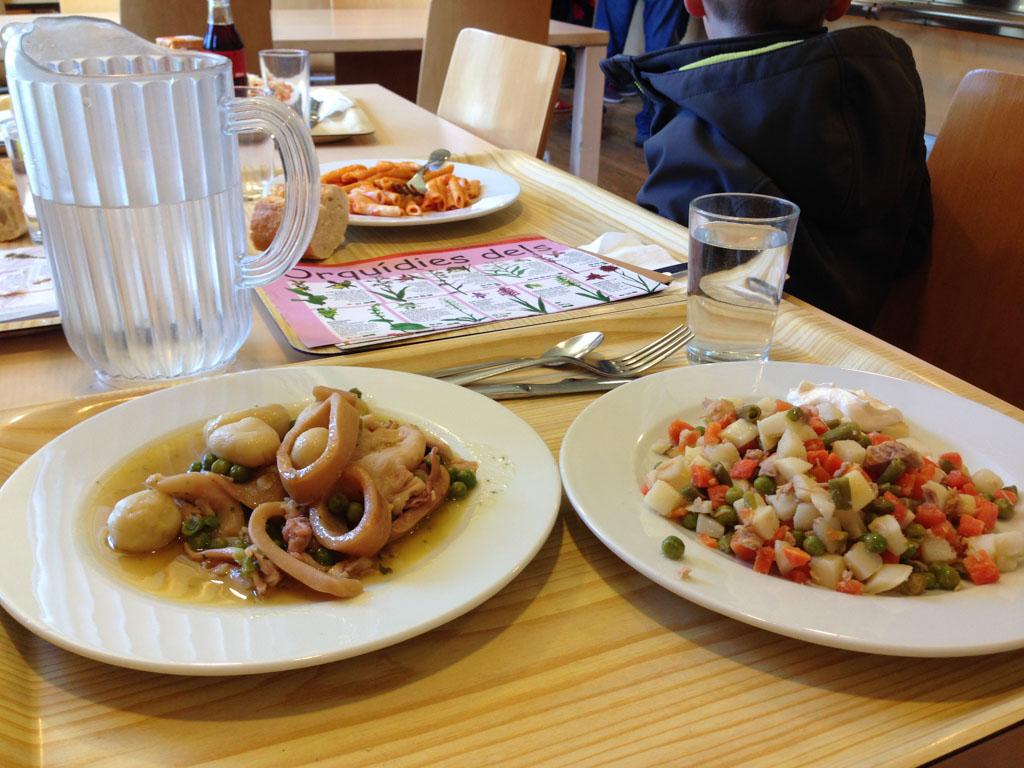 Na afloop eten we een eenvoudige maar smaakvolle en voedzame maaltijd.
