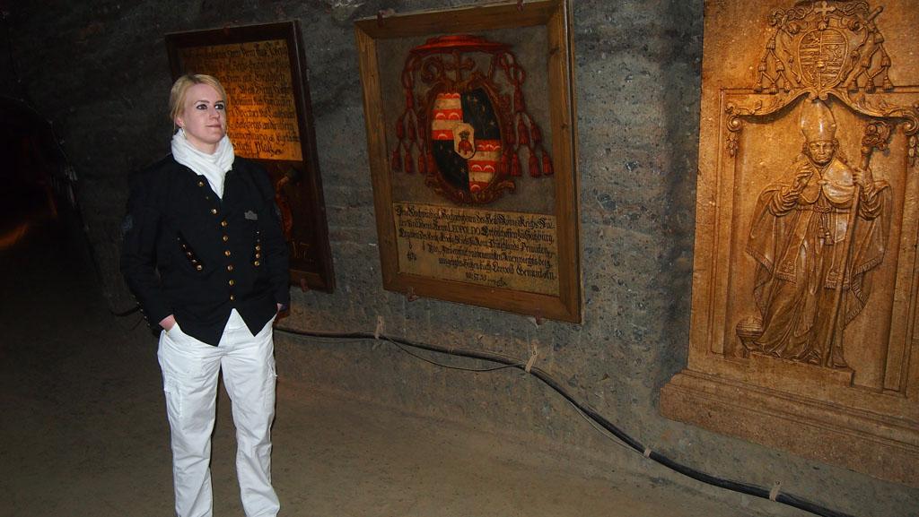 De gids van onze tour vertelt regelmatig in het Duits en Engels meer over de geschiedenis.