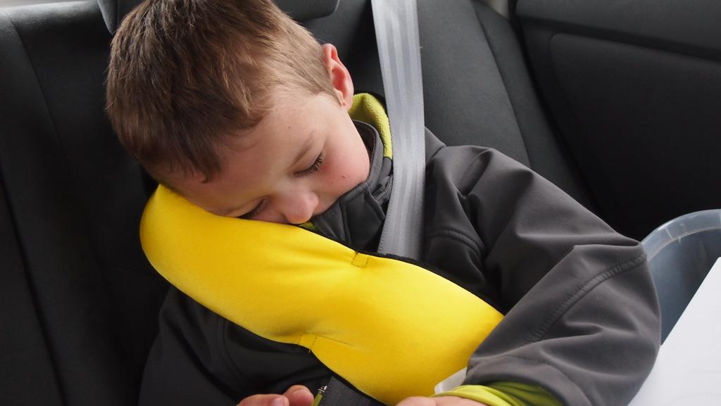 Lekker slapen met zijn hoofd op de BubbleBum Sneck.