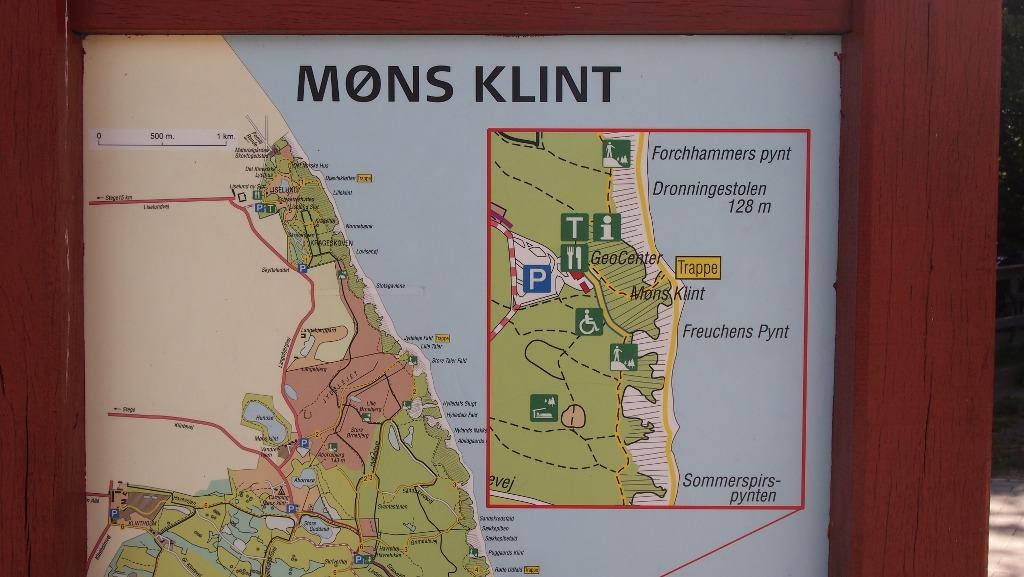 Vanaf het bezoekerscentrum kan je op verschillende manieren de witte krijtrotsen ervaren. Alles staat duidelijk aangegeven op een kaart.