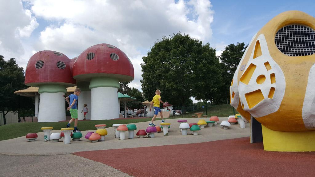 Fantastische speeltuin bij Aire de Jugy langs de A6.