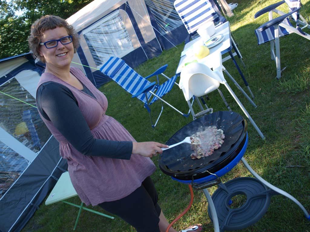 Vakantiehobby: buiten koken op de skottel.