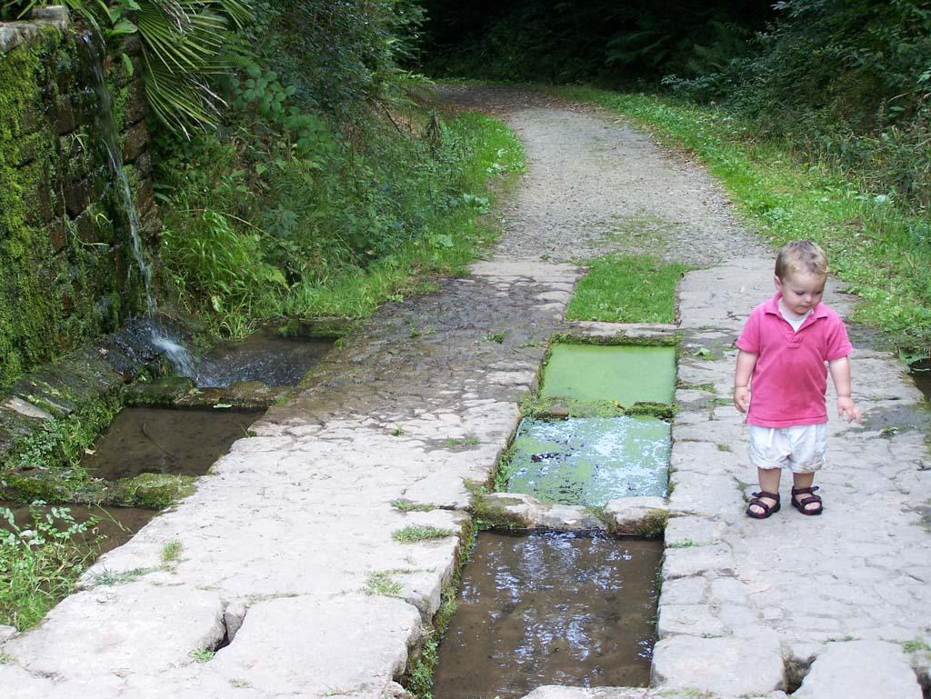 Ook op andere plekken komen we leuk geïntegreerde waterlopen tegen.