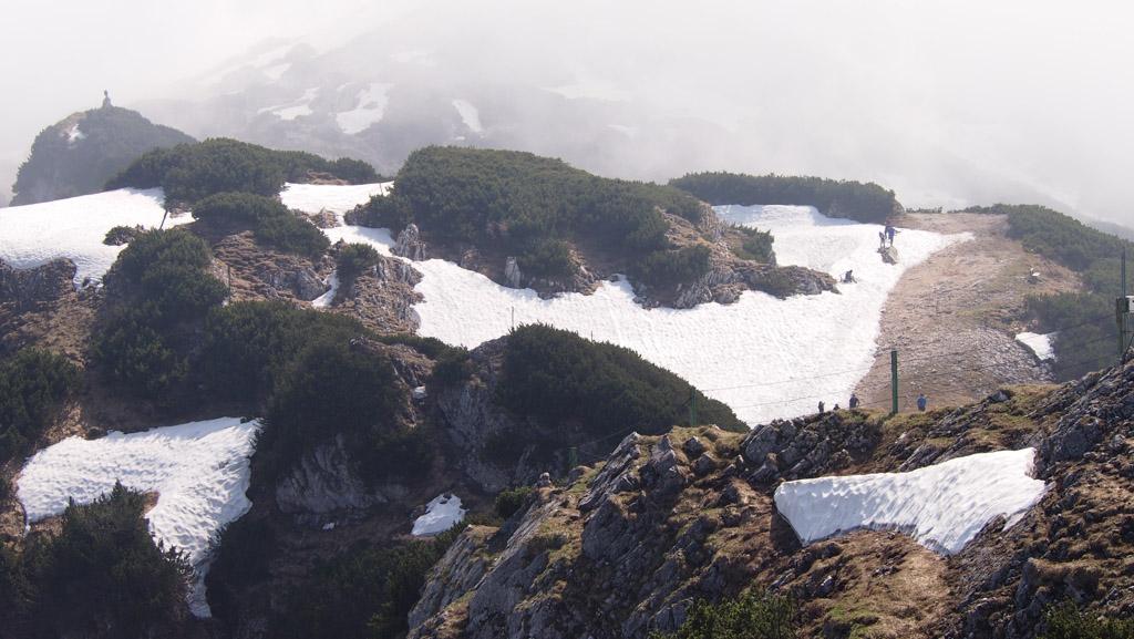 Goed zicht op het vele sneeuw. In de zomer zal het meeste weg zijn.