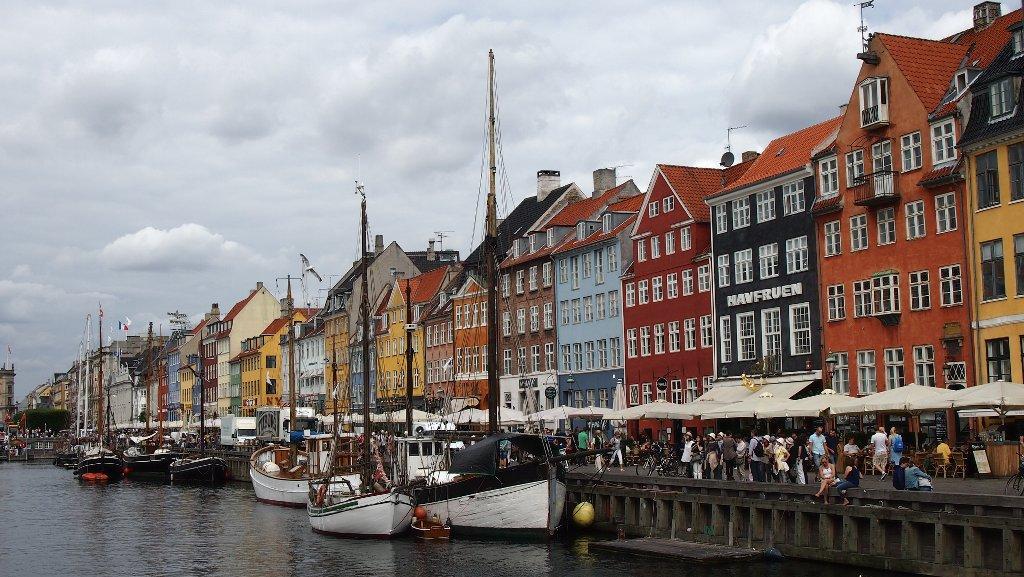 De kleurrijke huizen langs Nyhavn.