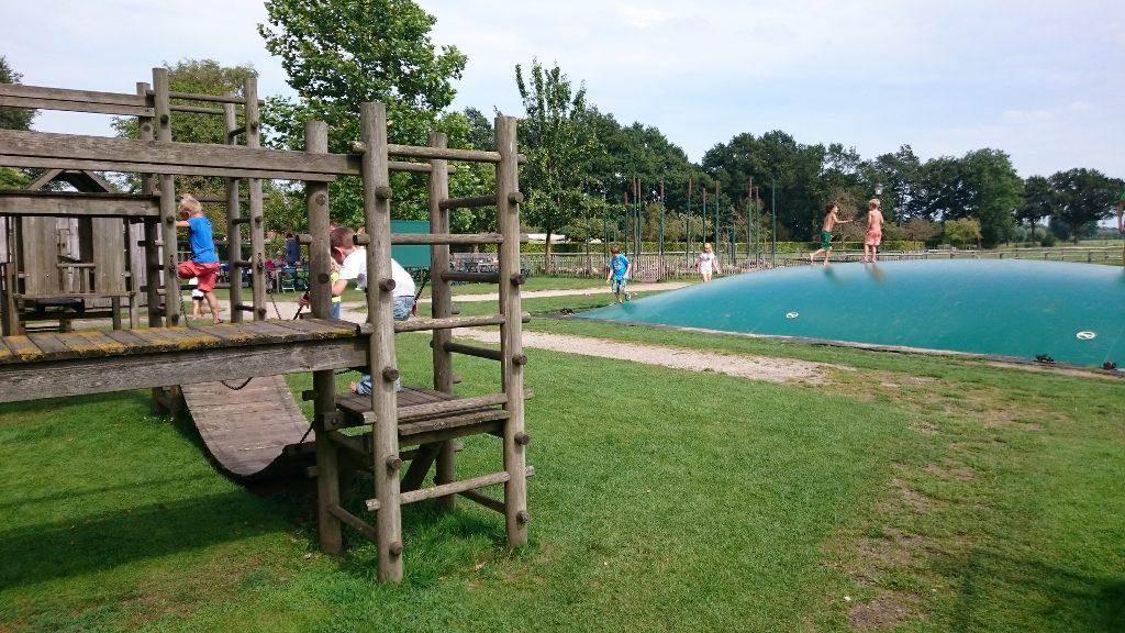 De speeltuin aan het einde van het Avonturenpad bij Erve Brooks.